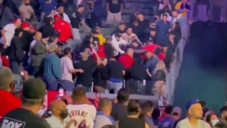 Video: Bronca entre aficionados en pelea de Andy Ruiz