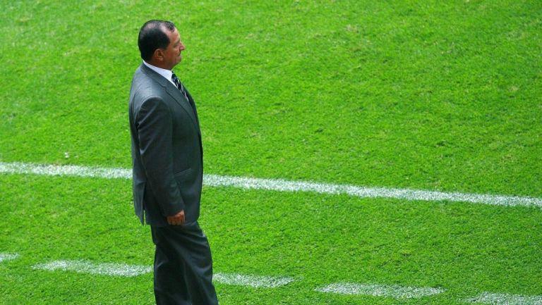 Enrique Meza en partido amistoso vs España