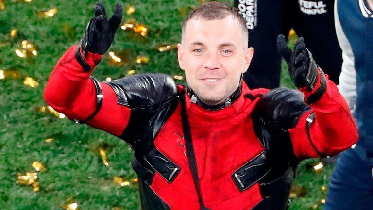 Artem Dzyuba festeja el Título del Zenit disfrazado de Deadpool