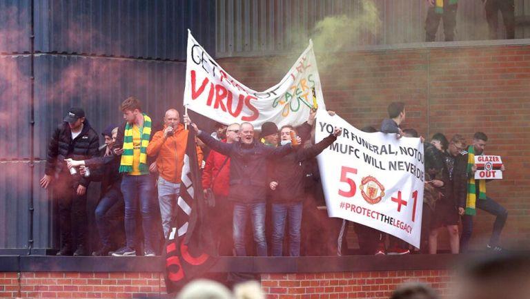 Manchester United vs Liverpool: Se retrasó por invasión de aficionados en Old Trafford