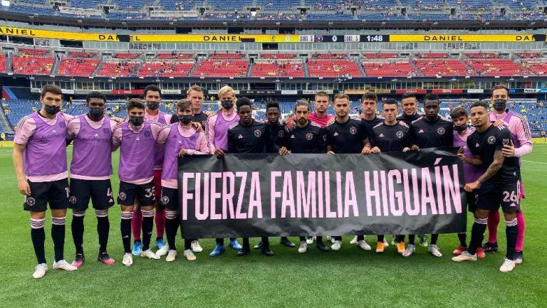 Inter de Miami con manta homenaje a la familia Higuaín