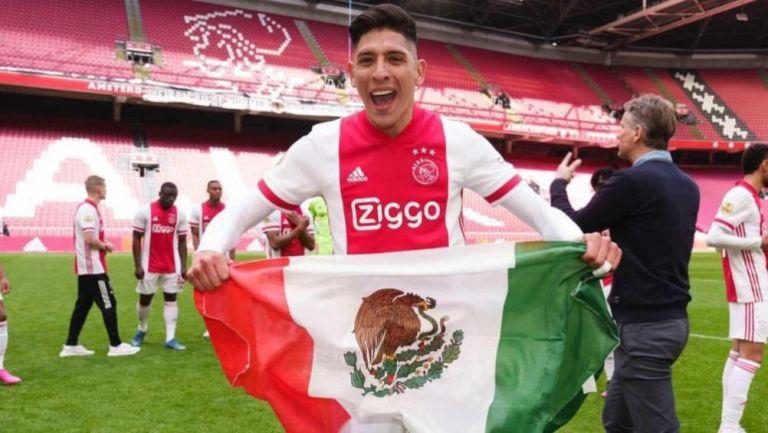 Edson Álvarez festejando el título de la Eredivisie
