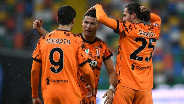 Jugadores de la Juventus celebran gol vs Udinese