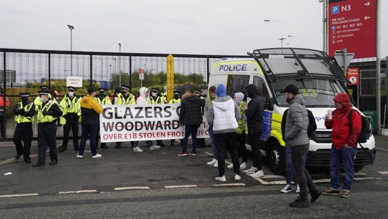 Policía en el Old Trafford
