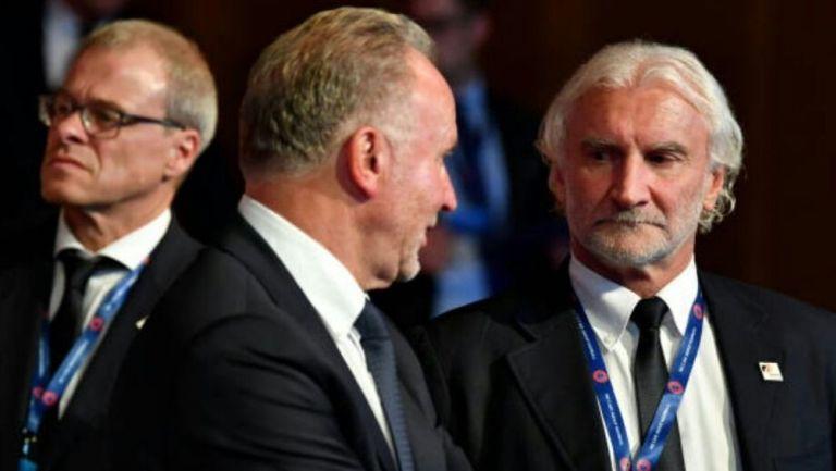 Rummenigge y Völler durante un evento