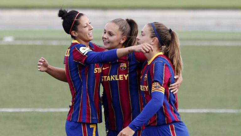 Jugadoras del Barça en festejo de gol