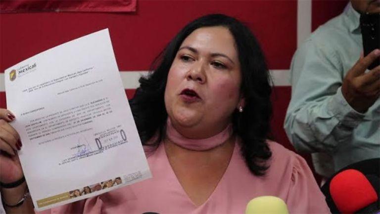 La Senadora Alejandra León durante una sesión