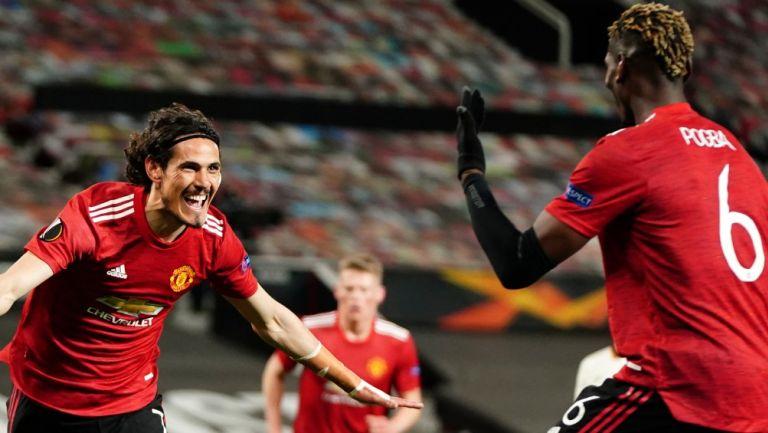 Cavani celebra un gol con Pogba