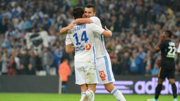 Gignac junto a Thauvin en un partido con Marsella