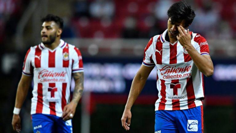 Alexis Vega y José Juan Macías, delanteros de Chivas
