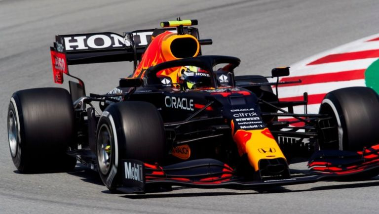 Sergio Pérez durante las sesiones de entrenamiento previo al GP de España