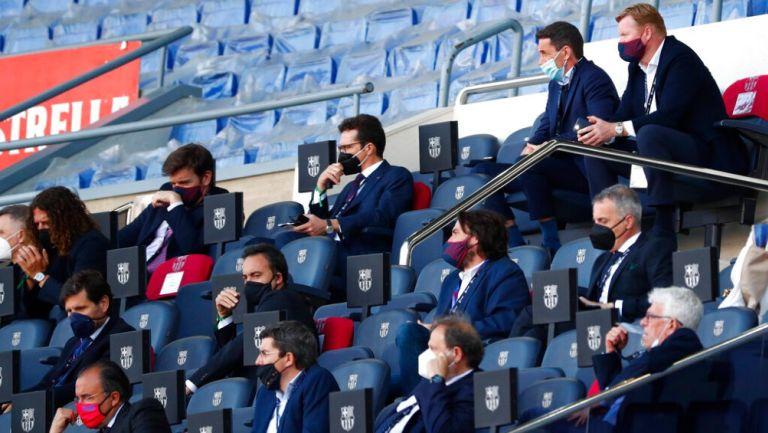 Directiva del Barcelona durante juego