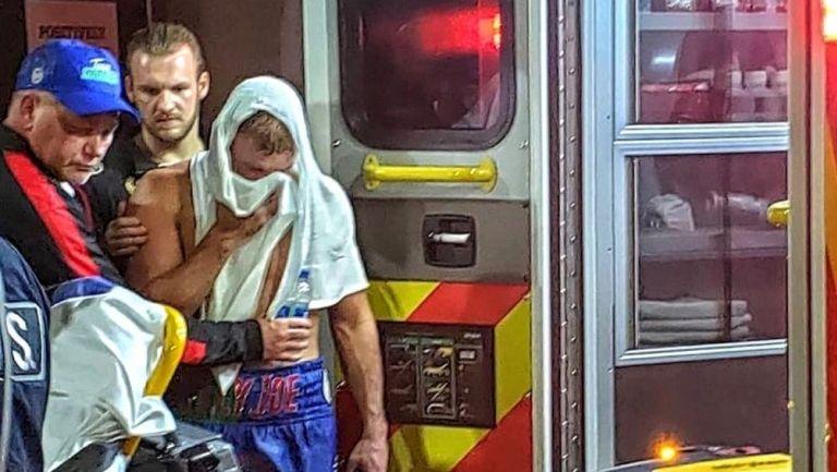 Saunders fue trasladado a en ambulancia