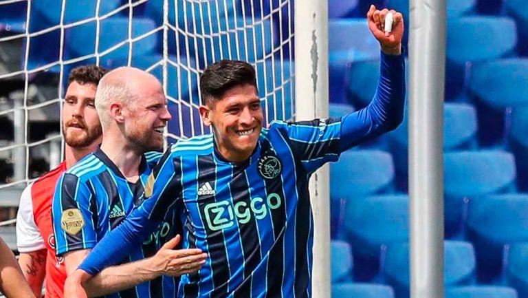 Edson Álvarez festeja un triunfo del Ajax