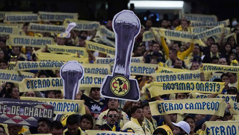 Afición de América presume pancarta del título de la Liga MX