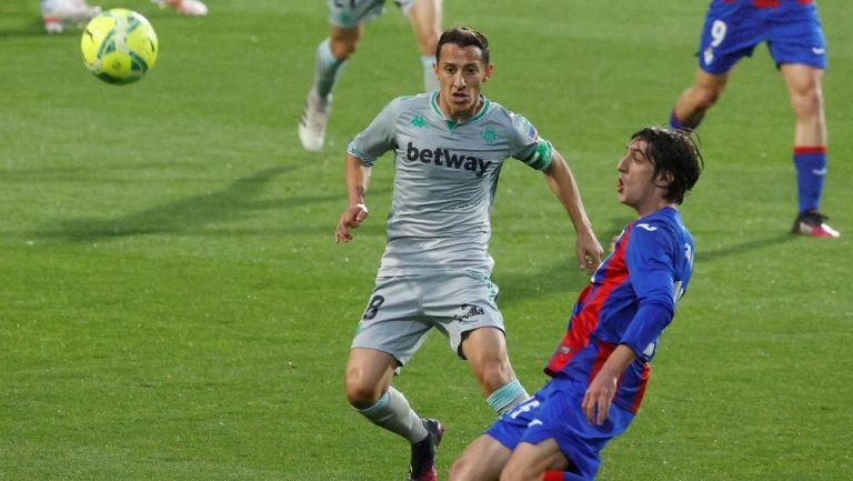 Andrés Guardado y Diego Lainez: Betis dejó ir el triunfo ante Eibar