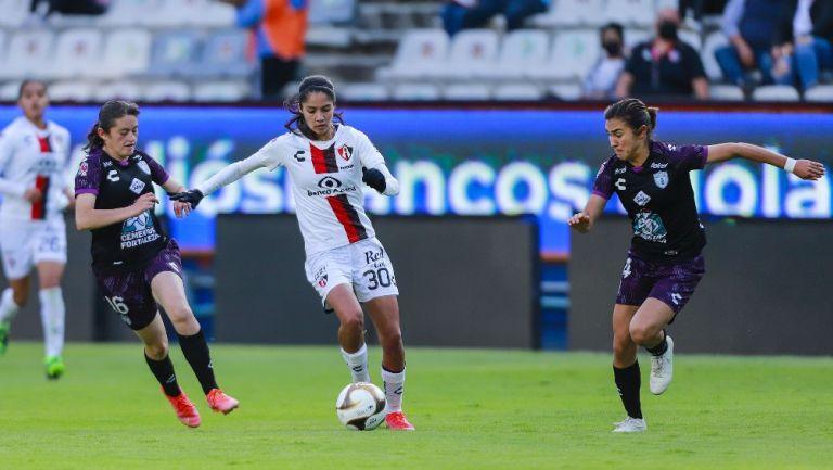 Alison González, delantera de Atlas, en acción