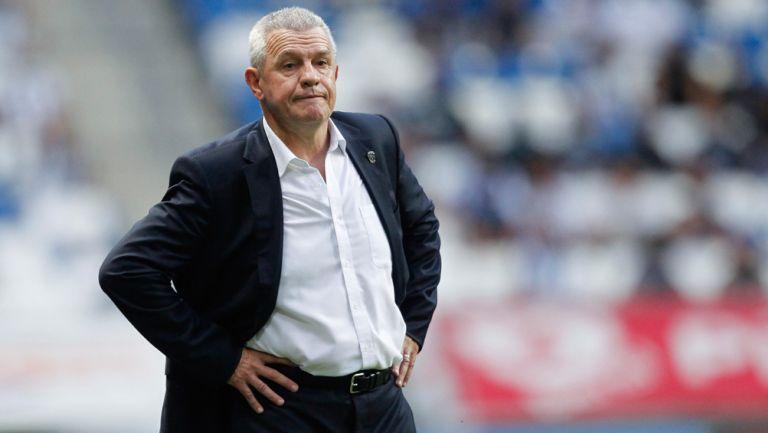 Aguirre, molesto tras caer ante Santos