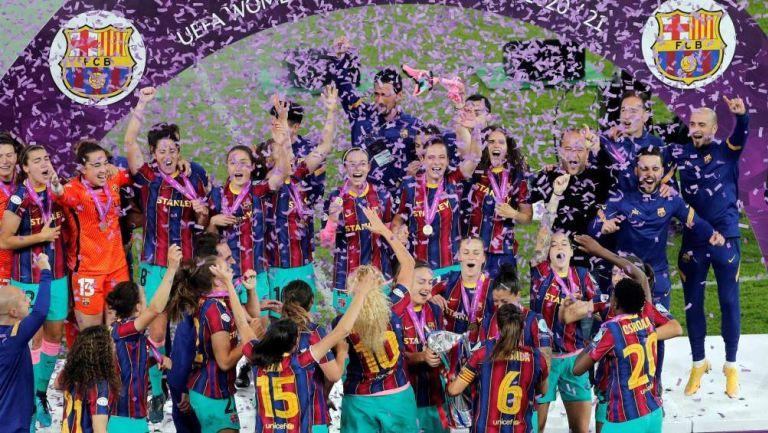 Barcelona Femenil en celebración
