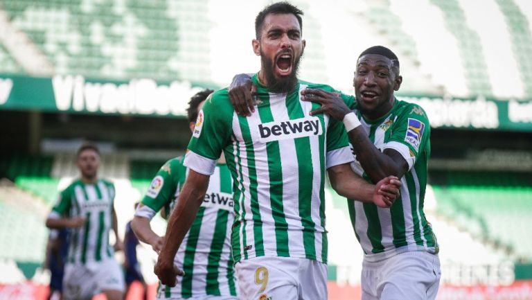 Borja Iglesias anota para el Betis