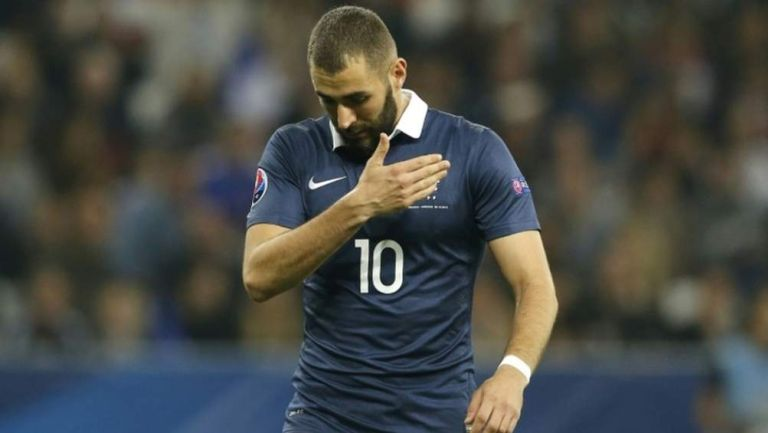 Benzema jugando con Francia