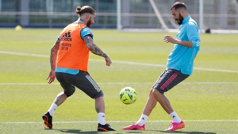 Ramos y Benzema durante un entrenamiento con el Madrid