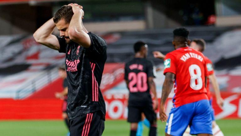 Federico Valverde reacciona durante encuentro del Real Madrid frente a Granada
