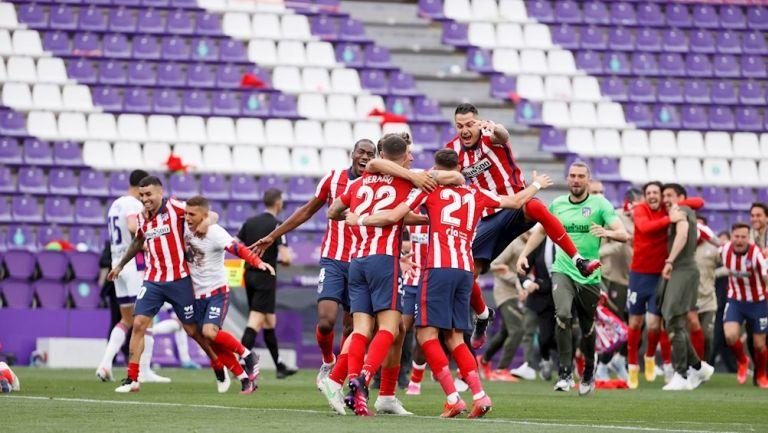 Jugadores del Atlético celebran título de Liga