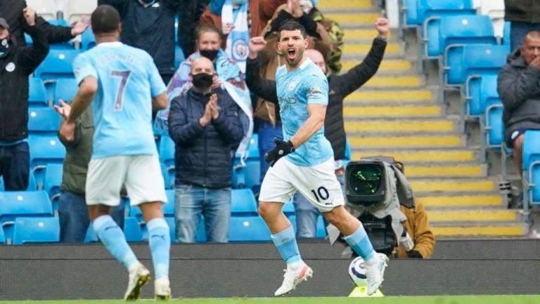 Sergio Agüero festejando un gol a favor del Manchester City