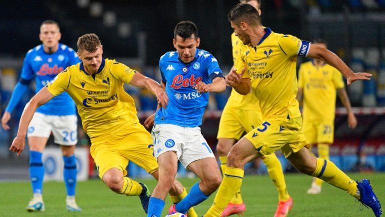 Hirving Lozano durante el partido del Napoli y el Hellas Verona