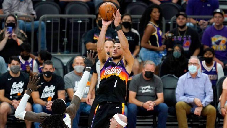 Devin Booker en victoria vs Lakers