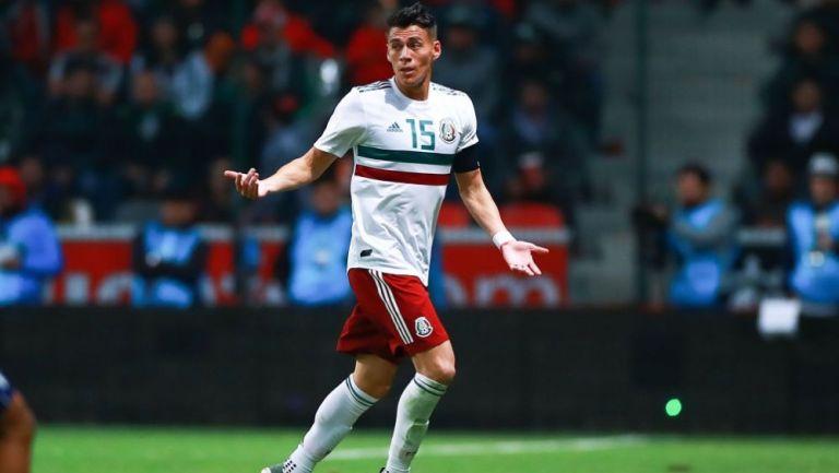 Héctor Moreno en acción con Selección Mexicana