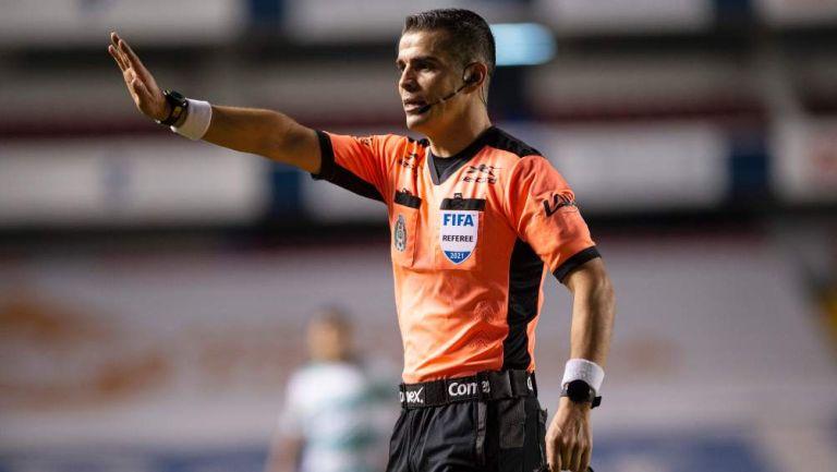 Fernando Hernández en partido