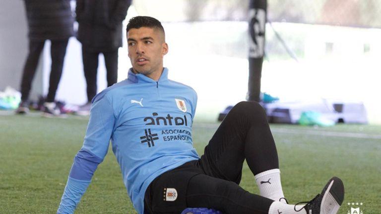 Luis Suárez en entrenamiento con la selección uruguaya