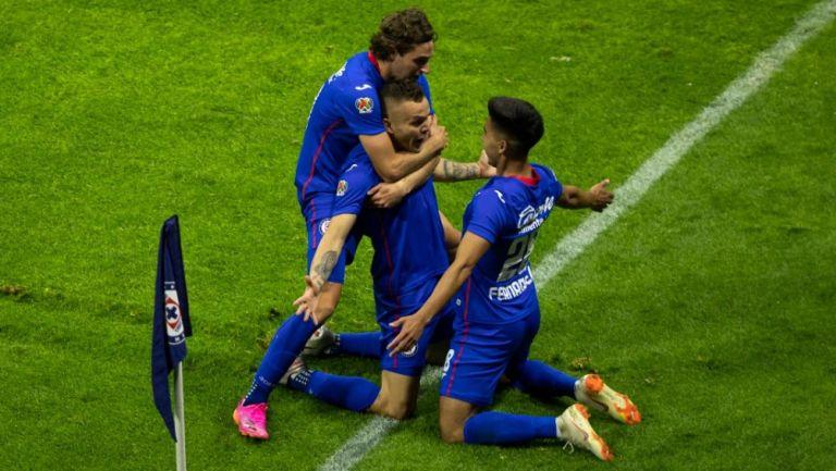 Festejo de Cabecita en el gol del título