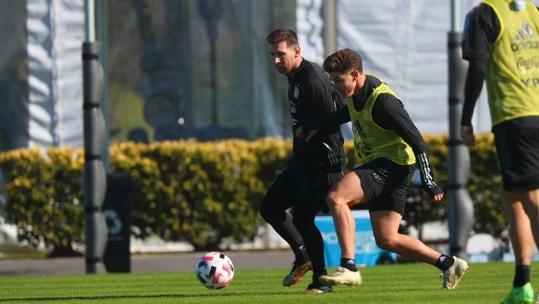 Lionel Messi en un entrenamiento con Argentina