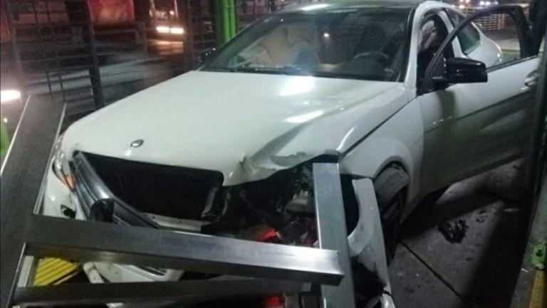 Mexibus: Jóvenes en estado de ebriedad chocaron y abandonaron auto de lujo en estación Unitec