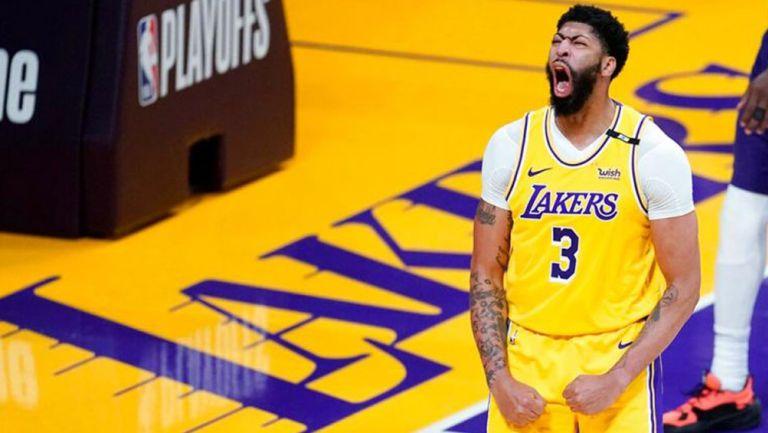 Anthony Davis, en juego de Lakers