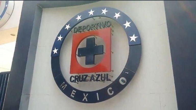 Escudo de Cruz Azul con la novena estrella