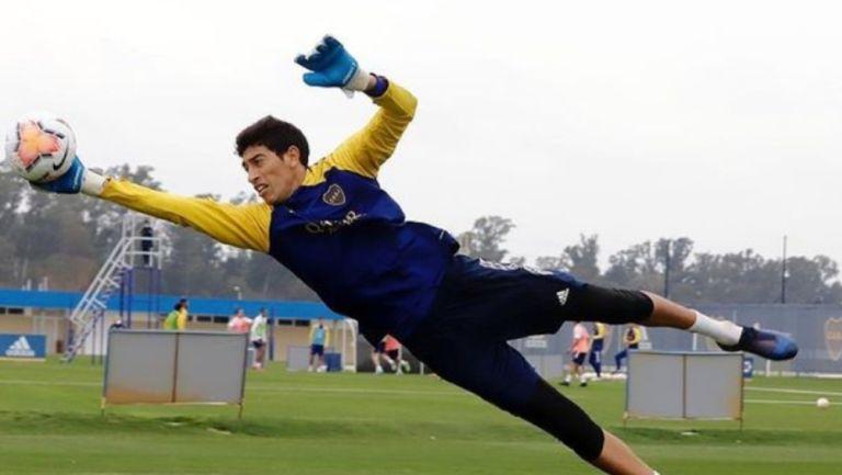 Esteban Andrada durante un entrenamiento con Boca Jrs.