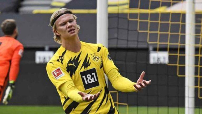 Erling Haaland reacciona en partido con el Borussia Dortmund