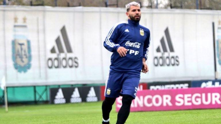 Kun Agüero durante un entrenamiento con Argentina