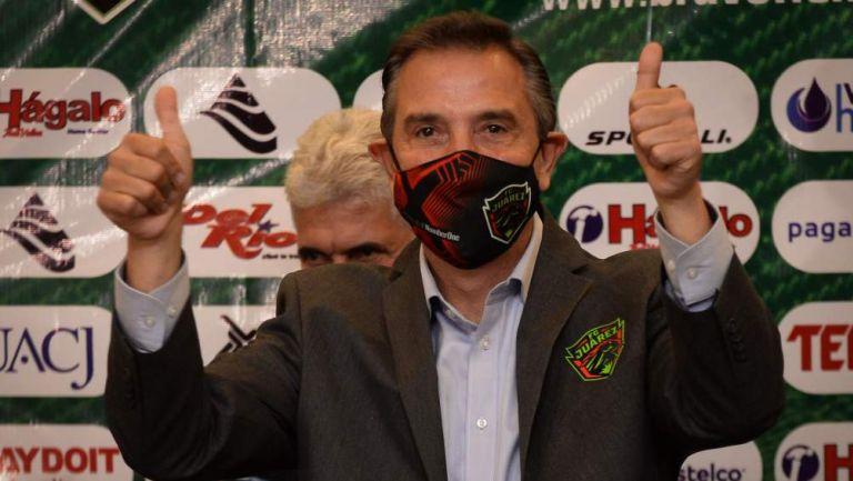 Miguel Ángel Garza en conferencia de prensa