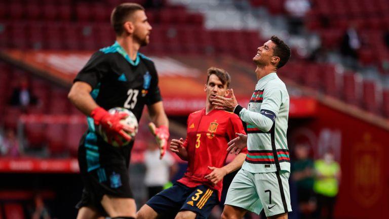Cristiano se lamenta tras fallar una acción de gol
