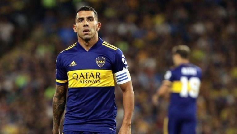 Carlos Tevez en un partido con Boca