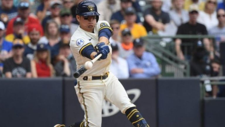 MLB: Luis Urías conectó cuadrangular en victoria de Milwaukee sobre Arizona