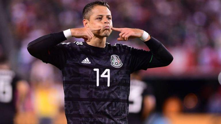 Javier 'Chicharito' Hernández celebra un gol con el Tri