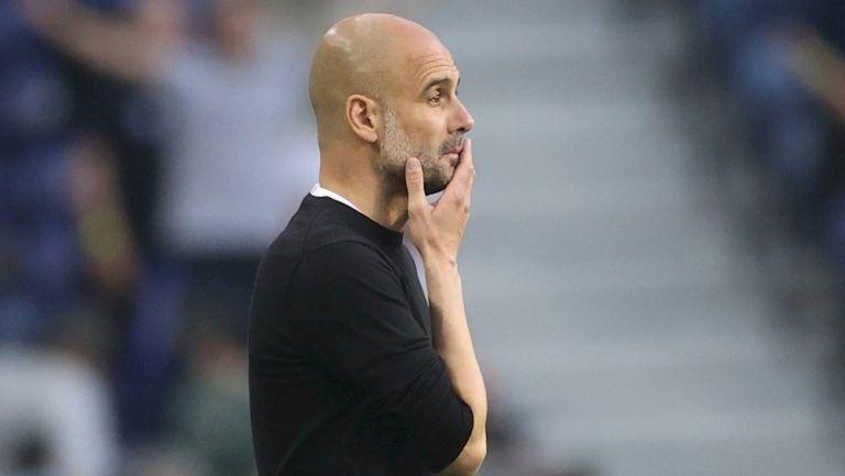 Pep Guardiola durante un partido con el City