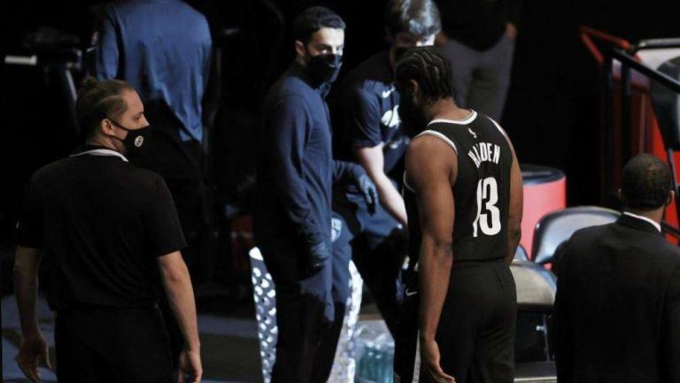 James Harden se retira del Brooklyn vs Milwaukee