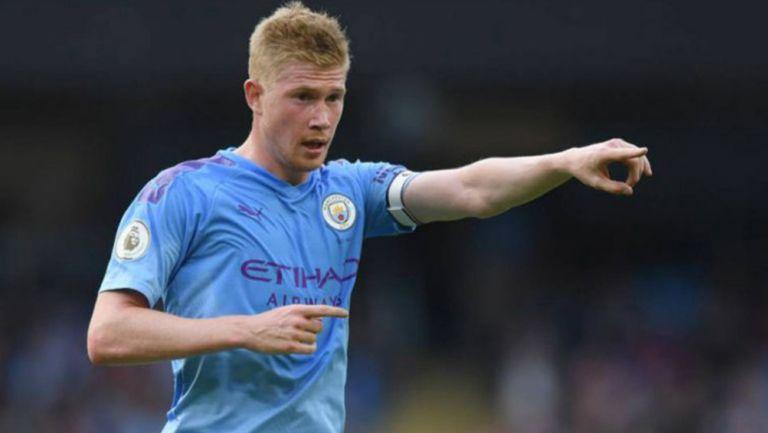 Kevin de Bruyne durante un duelo con el Manchester City